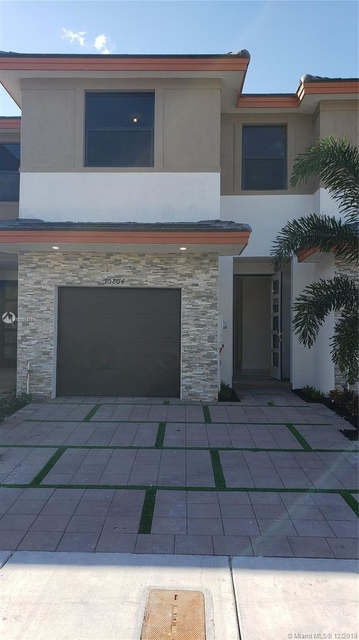 3 Bedrooms, Miami Lakes Rental in Miami, FL for $2,600 - Photo 1