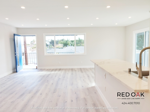 2 Bedrooms, Clarkdale Rental in Los Angeles, CA for $3,795 - Photo 2