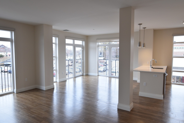 2 Bedrooms, Newtonville Rental in Boston, MA for $5,855 - Photo 1