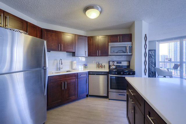2 Bedrooms, Near North Side Rental in Chicago, IL for $3,445 - Photo 1