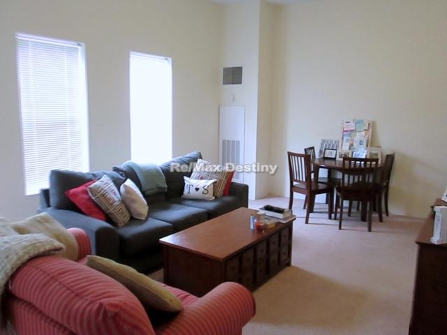 2 Bedrooms, Arlington Center Rental in Boston, MA for $3,200 - Photo 2
