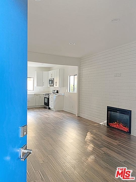 1 Bedroom, Playhouse District Rental in Los Angeles, CA for $2,425 - Photo 1