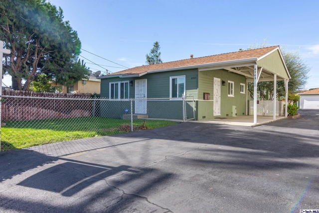 1 Bedroom, Mid-Town North Hollywood Rental in Los Angeles, CA for $2,200 - Photo 2