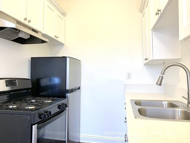 Studio, Little Armenia Rental in Los Angeles, CA for $1,375 - Photo 2