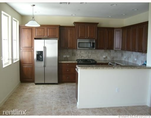 3 Bedrooms, Sawgrass Lakes Rental in Miami, FL for $2,525 - Photo 1