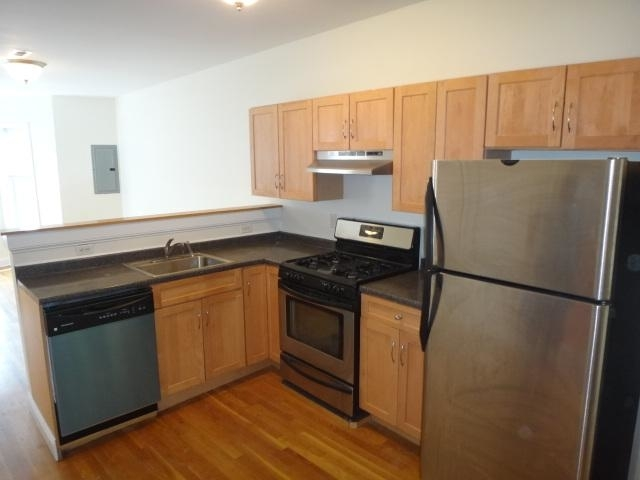 3 Bedrooms, Highland Park Rental in Boston, MA for $3,000 - Photo 2