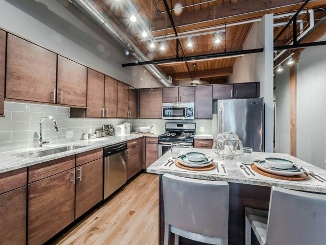 1 Bedroom, Streeterville Rental in Chicago, IL for $3,275 - Photo 1