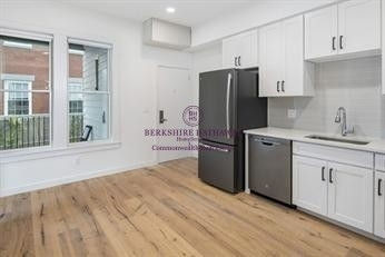 3 Bedrooms, Cambridgeport Rental in Boston, MA for $5,400 - Photo 2