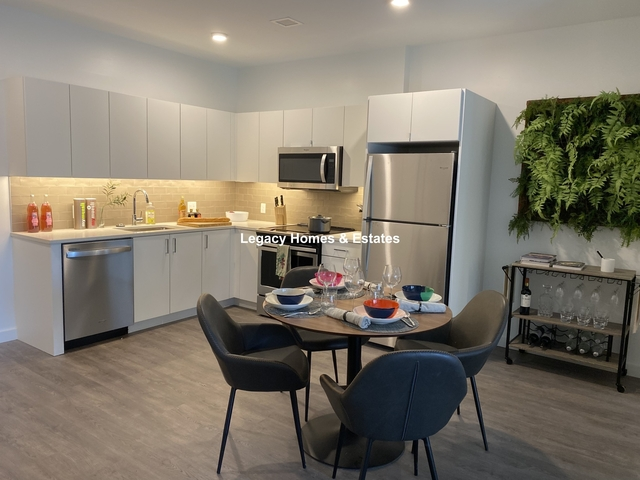 2 Bedrooms, Egleston Square Rental in Boston, MA for $2,997 - Photo 1