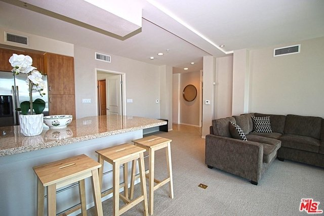2 Bedrooms, Little Tokyo Rental in Los Angeles, CA for $2,800 - Photo 1