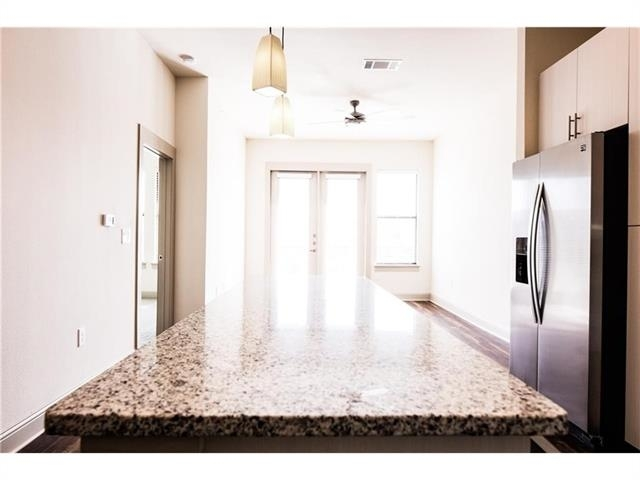 2 Bedrooms, Linwood Rental in Dallas for $1,899 - Photo 2