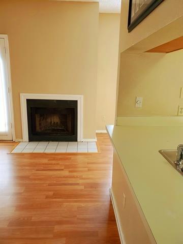 1 Bedroom, Vickery Meadows Rental in Dallas for $850 - Photo 2