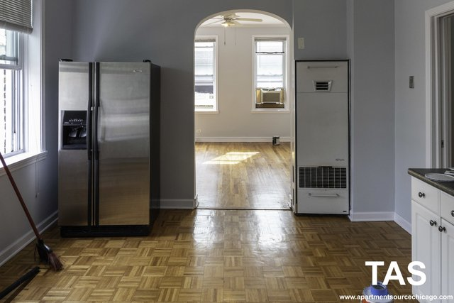 2 Bedrooms, Roscoe Village Rental in Chicago, IL for $1,475 - Photo 2