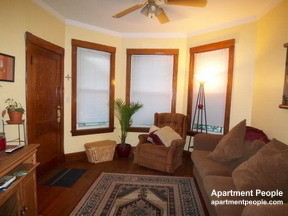2 Bedrooms, Roscoe Village Rental in Chicago, IL for $1,850 - Photo 2