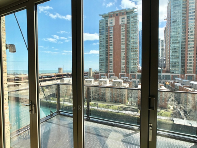 1 Bedroom, Streeterville Rental in Chicago, IL for $3,250 - Photo 2