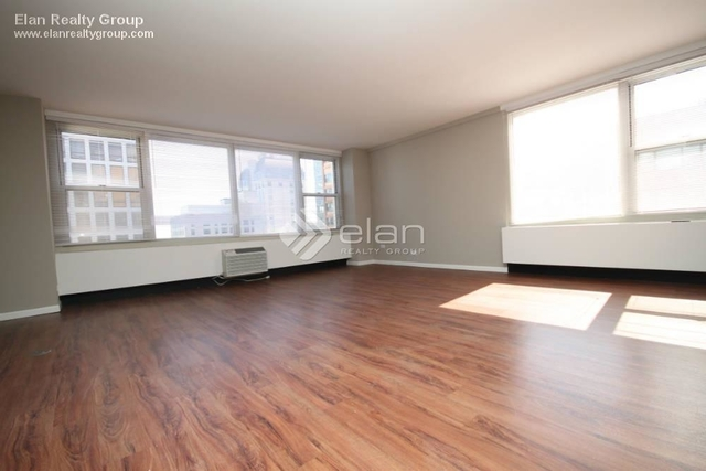 2 Bedrooms, Gold Coast Rental in Chicago, IL for $3,665 - Photo 2