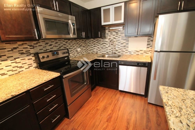 2 Bedrooms, Gold Coast Rental in Chicago, IL for $3,665 - Photo 1