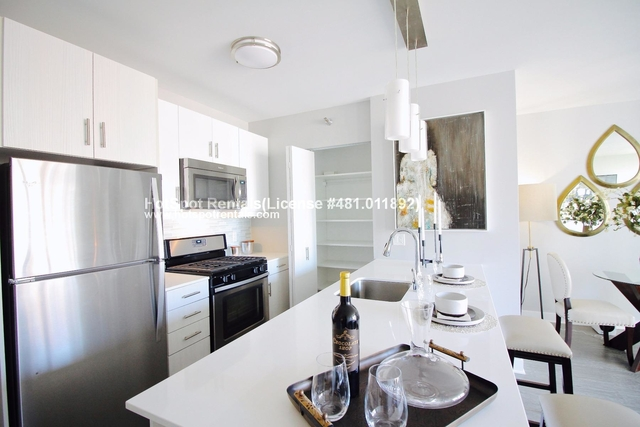 1 Bedroom, Dearborn Park Rental in Chicago, IL for $2,169 - Photo 1