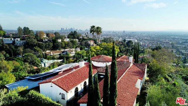 4 Bedrooms, Hollywood United Rental in Los Angeles, CA for $20,000 - Photo 2