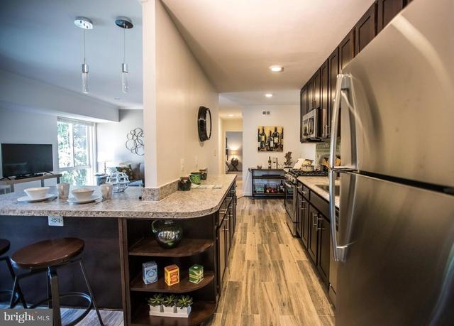 2 Bedrooms, Merrifield Rental in Washington, DC for $1,740 - Photo 1