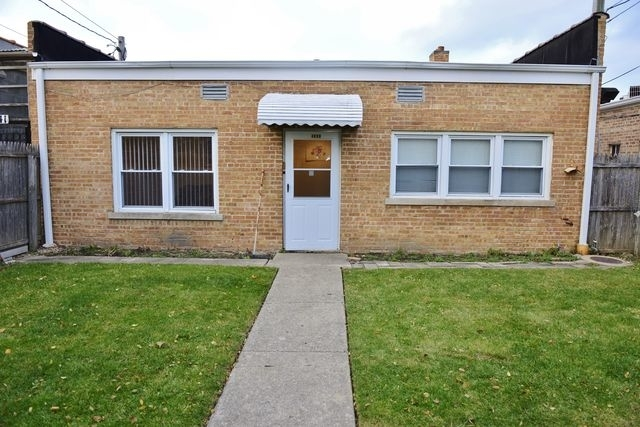 2 Bedrooms, Skokie Rental in Chicago, IL for $1,600 - Photo 1