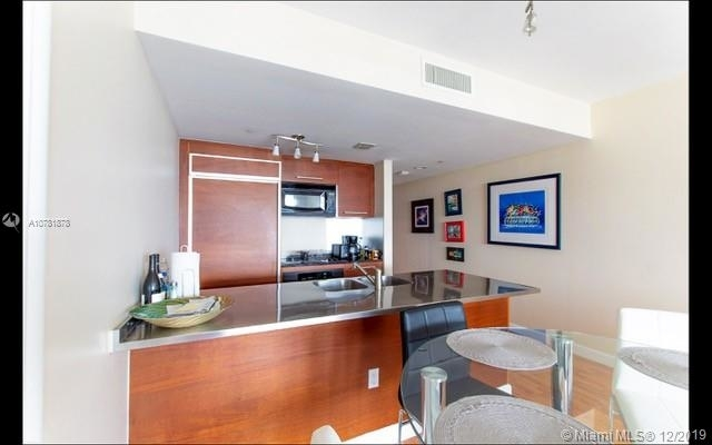 2 Bedrooms, Hallandale Beach Rental in Miami, FL for $3,000 - Photo 2