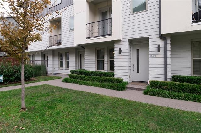 3 Bedrooms, Palo Alto Rental in Dallas for $3,500 - Photo 2