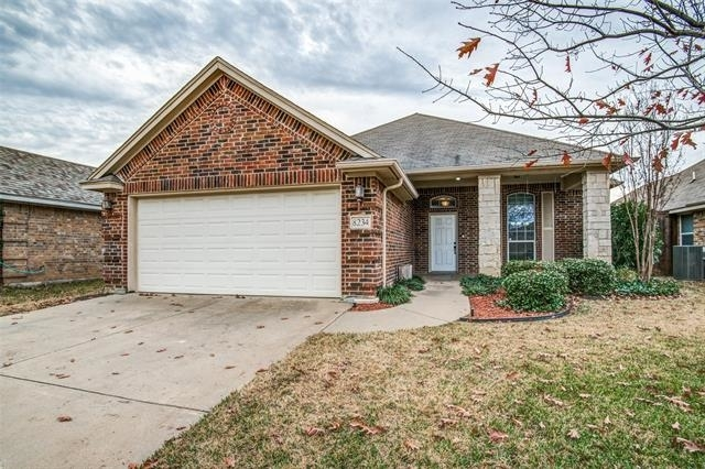 3 Bedrooms, Lakes of River Trails Rental in Dallas for $1,900 - Photo 1