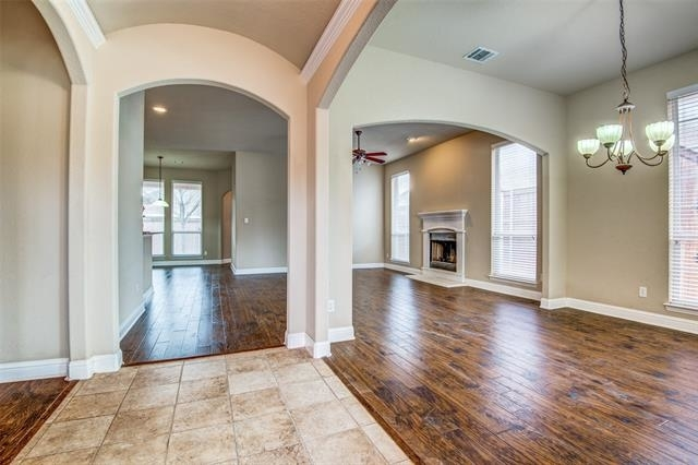3 Bedrooms, Lakes of River Trails Rental in Dallas for $1,900 - Photo 2