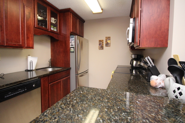 2 Bedrooms, Lombard Rental in Chicago, IL for $1,450 - Photo 2