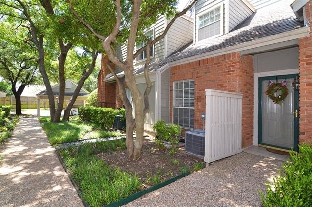 2 Bedrooms, Georgetown on Hillcrest Rental in Dallas for $2,100 - Photo 1