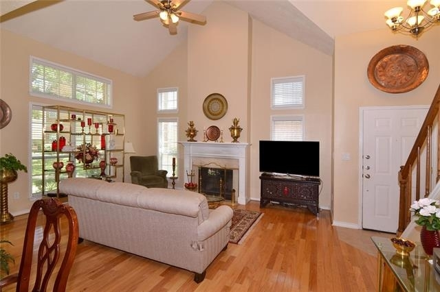 2 Bedrooms, Georgetown on Hillcrest Rental in Dallas for $2,100 - Photo 2