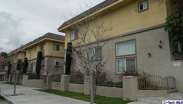 3 Bedrooms, Van Nuys Rental in Los Angeles, CA for $2,950 - Photo 1
