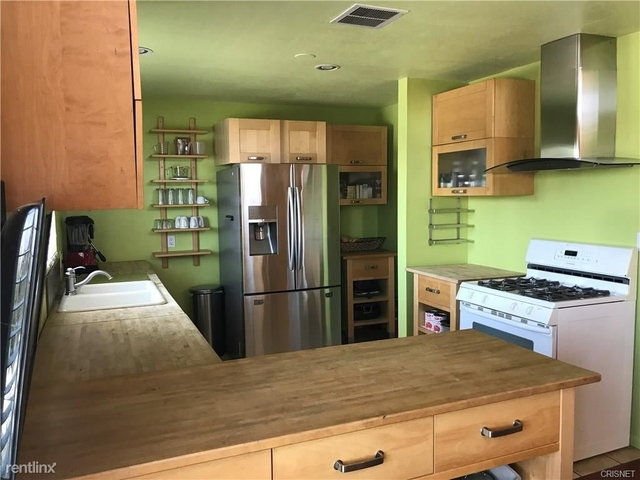 2 Bedrooms, Hollywood United Rental in Los Angeles, CA for $6,000 - Photo 2
