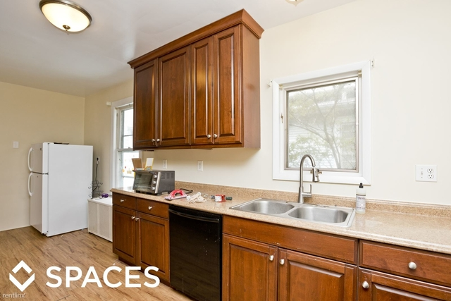 5 Bedrooms, Evanston Rental in Chicago, IL for $2,400 - Photo 1