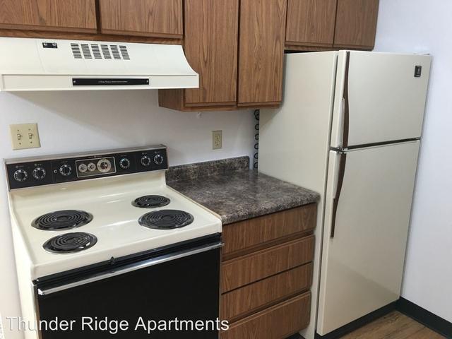 1 Bedroom, Cedar Falls Rental in  for $735 - Photo 2