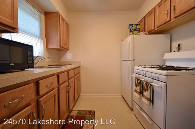 2 Bedrooms, Euclid Rental in Cleveland, OH for $780 - Photo 1