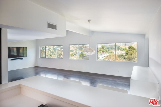 3 Bedrooms, Hollywood United Rental in Los Angeles, CA for $5,500 - Photo 2