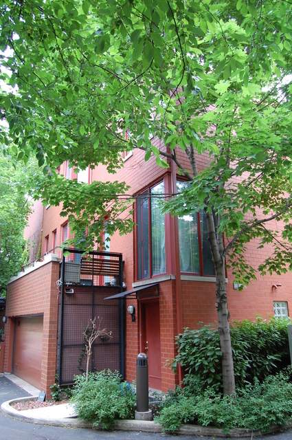 2 Bedrooms, Dearborn Park Rental in Chicago, IL for $2,350 - Photo 1