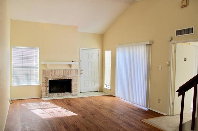 2 Bedrooms, Fondren Southwest Tempo Townhome Rental in Houston for $1,250 - Photo 2