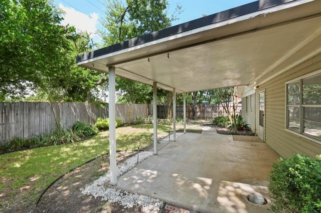 3 Bedrooms, Sunset Heights South Rental in Dallas for $1,800 - Photo 2