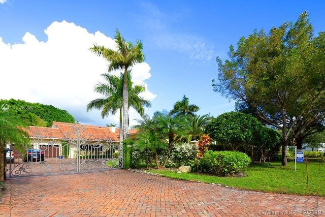 5 Bedrooms, Helms Country Estates Rental in Miami, FL for $8,500 - Photo 1