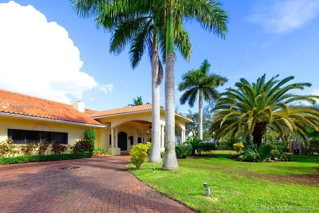 5 Bedrooms, Helms Country Estates Rental in Miami, FL for $8,500 - Photo 2