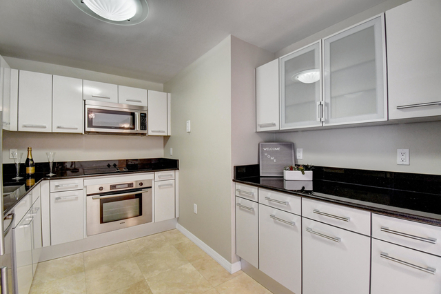 2 Bedrooms, Downtown West Palm Beach Rental in Miami, FL for $2,500 - Photo 1