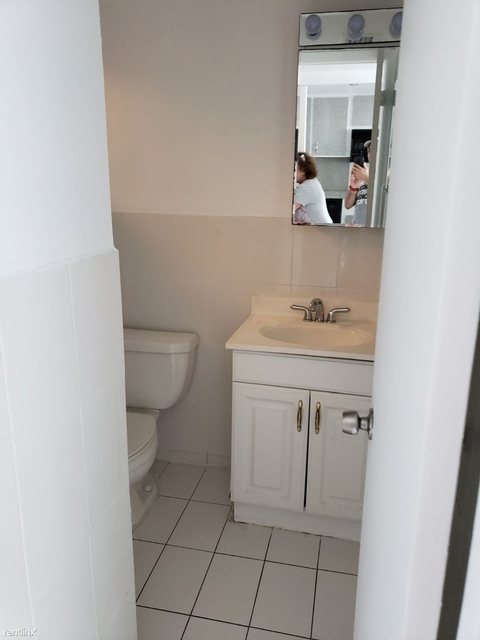 1 Bedroom, Belle View Rental in Miami, FL for $1,700 - Photo 2