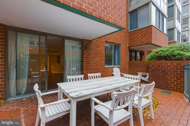 2 Bedrooms, Ballston - Virginia Square Rental in Washington, DC for $2,750 - Photo 2
