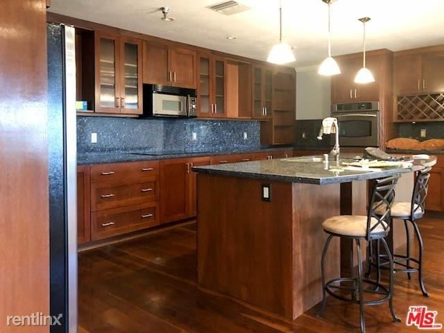 2 Bedrooms, Bunker Hill Rental in Los Angeles, CA for $3,995 - Photo 1