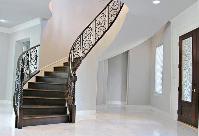 6 Bedrooms, Royal Oaks Country Club Rental in Houston for $8,500 - Photo 2