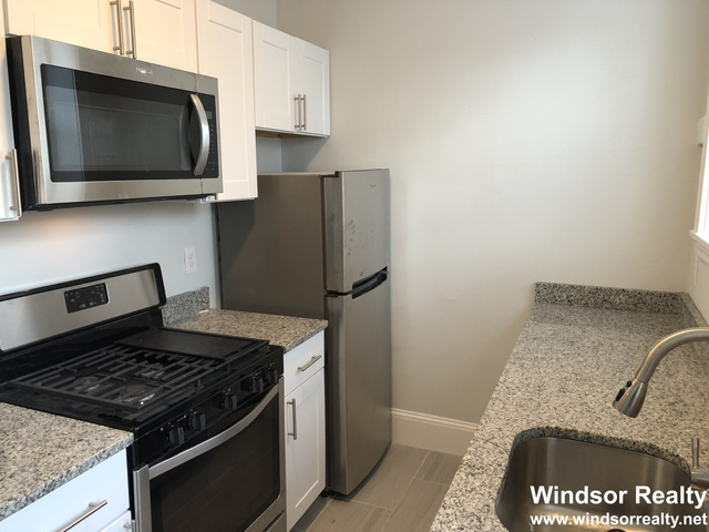 2 Bedrooms, Arlington Center Rental in Boston, MA for $2,195 - Photo 2