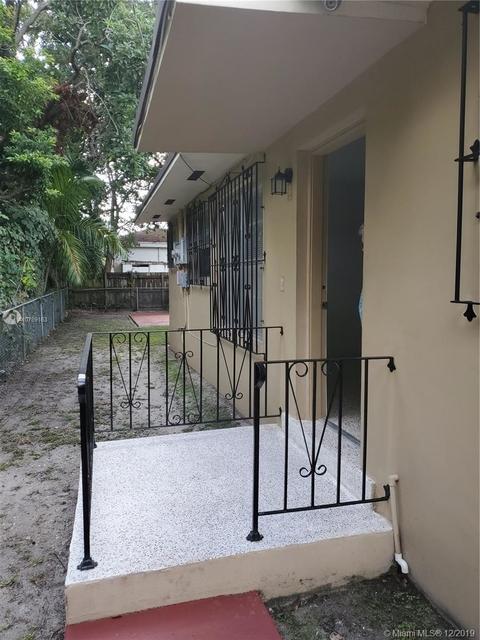 2 Bedrooms, Kenwood Rental in Miami, FL for $1,450 - Photo 2